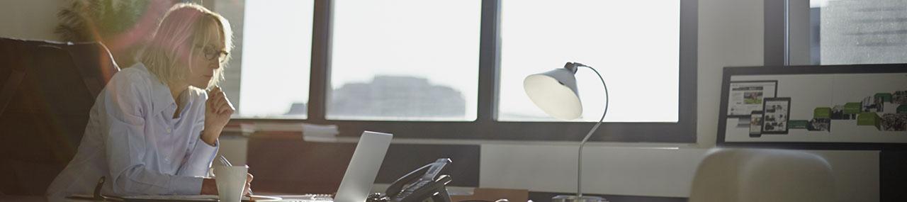 Lange werkdagen goed voor je carrière? Toch niet, zo blijkt